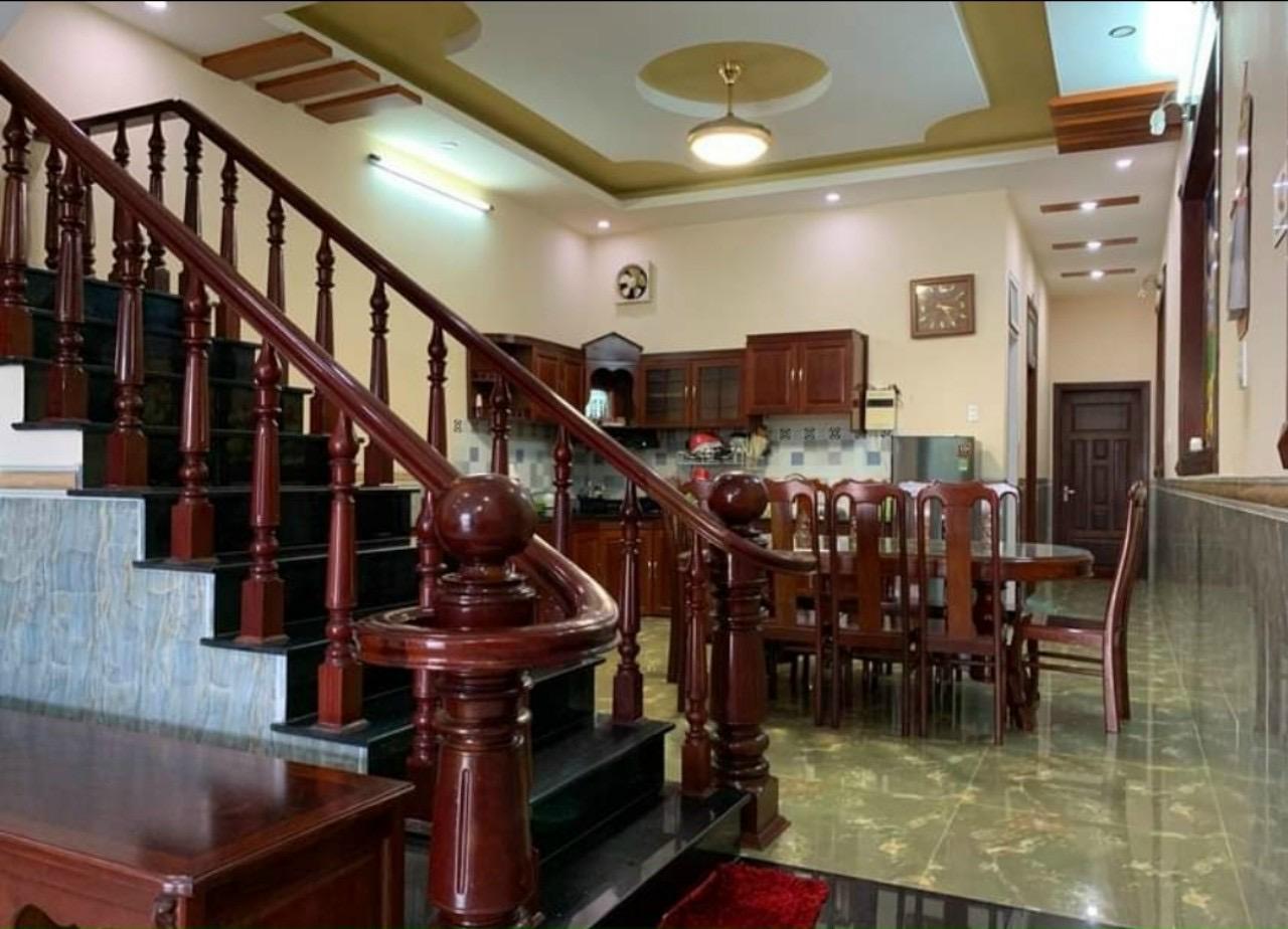 Bán nhà Vũng Tàu đường Thùy Vân, cách biển 100m